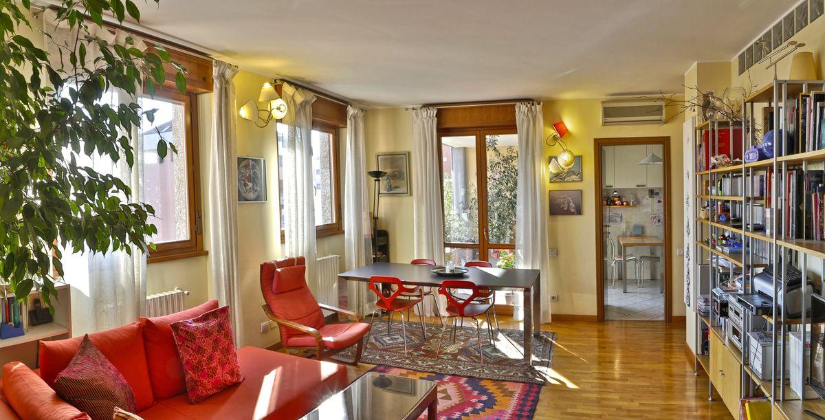 Remax empower abitazioni fotografo interni milano for Abitazioni interni